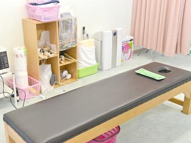 健裕館宇都宮療術院の施術ベッド